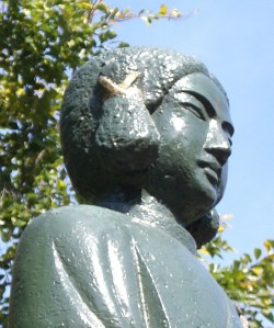 Statue of Prince Shotuko, bearing the mizuka (角髪) adult hair style.